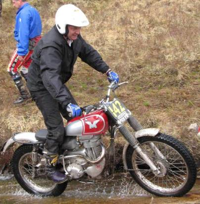 Trials Guru likes to ride occassionally too. 1959 350 Matchless (G3C). Photo courtesy: David Robinson, Mid Calder.