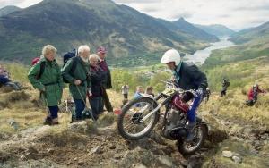 Len Hutty'02 Loch Eilde Path