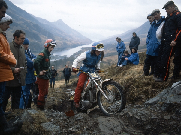 Debbie Evans on Grey Mare's Ridge in the 1978 Scottish Six Days. Photo: Worldwide Copyright, Eric Kitchen - All Rights Reserved.