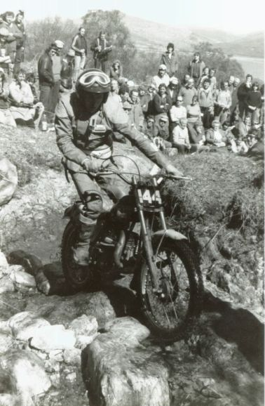 Rob Edwards on an unfamiliar bike, a 250 Ossa in the 1980 SSDT at Rhuba Rhuadh on Day 4. Photo copyright: Jim Young, Armadale.