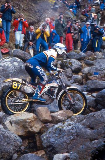 Steve Saunders (RTL270 Rothmans Honda HRC) on Lagnaha in the 1986 Scottish Six Days - © – Iain Lawrie, Kinlochleven.