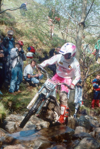 Leslie Winthrop (250 Yamaha) on Piper's Burn in the 1990 Scottish Six Days - © – Iain Lawrie, Kinlochleven.