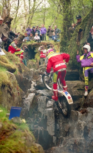 Steve Colley (250 Beta) on Piper's Burn in the 1993 Scottish Six Days - © – Iain Lawrie, Kinlochleven.