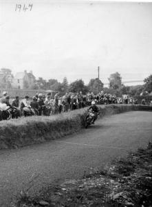1947 - Bo'Ness Hillclimb on the Ariel