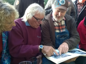 Mick and Krahnst+¦ver exploring Heises Photos