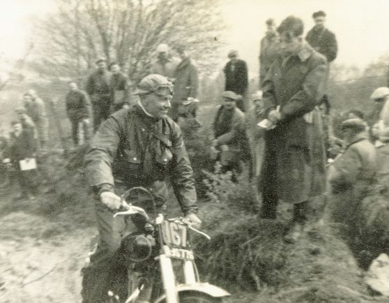A smiling Hugh Viney on his works 347cc AJS in the 1955 Scottish - Photo: Jock McComisky, Linlithgow