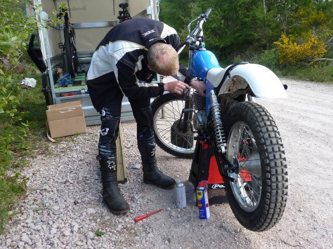 40.Fiddeling with the carb Scottland 2015
