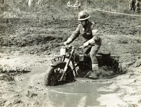 Jock Wilson - Army trial - 350 Matchless G3L - Photo Len Thorpe - Finchley