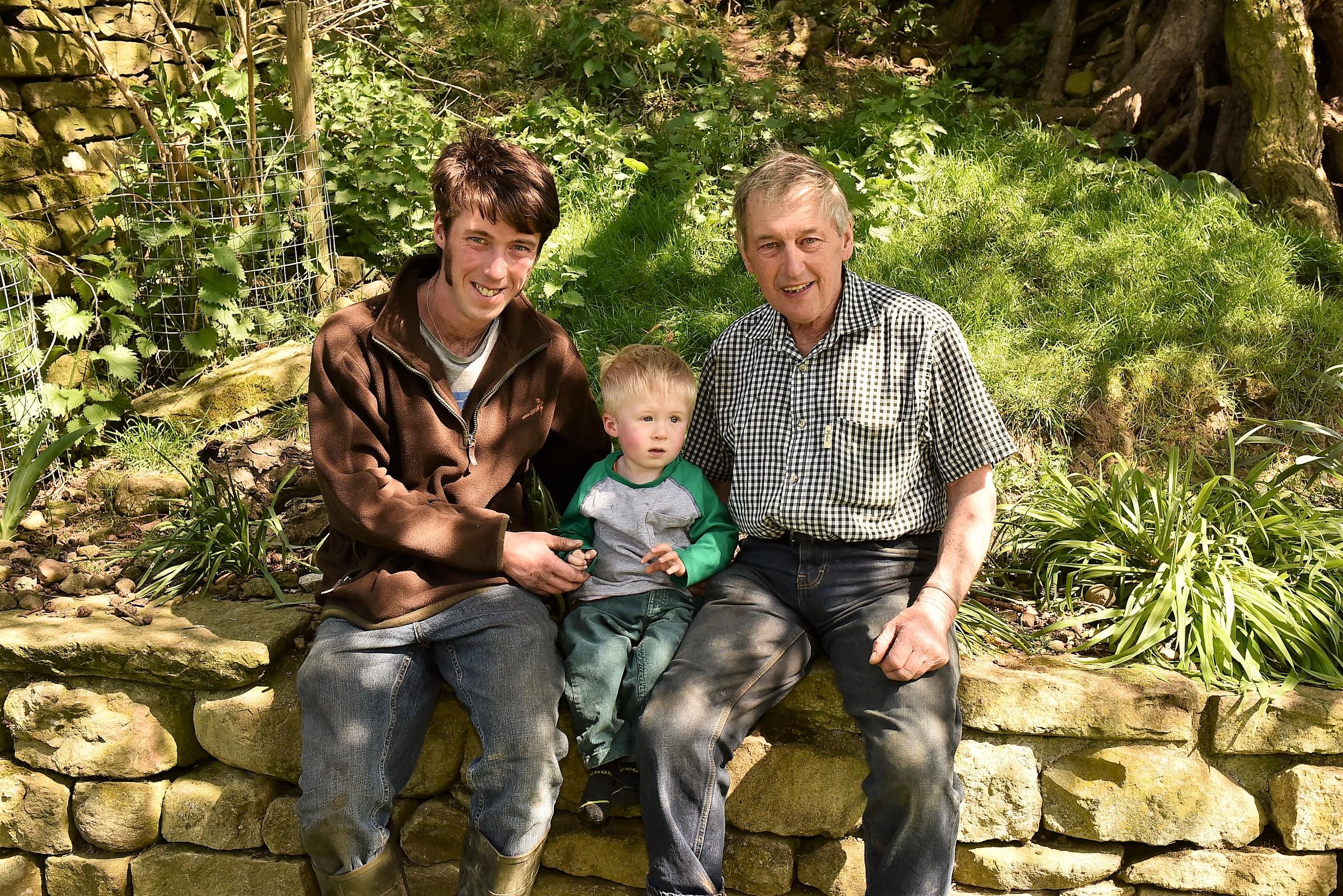 Scott.grandson Finnly & Jacky Lynas.jpg