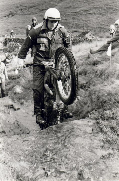 55sheffield based rider chris clarke attacking a section in the yorkshire white rose trial 1978