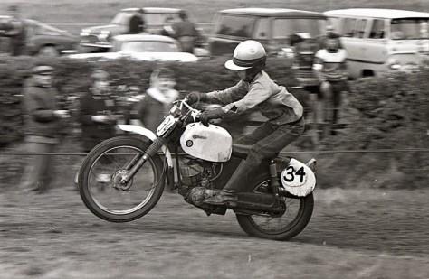 Nigel Birkett - Suzuki - Ron Aitchie photo