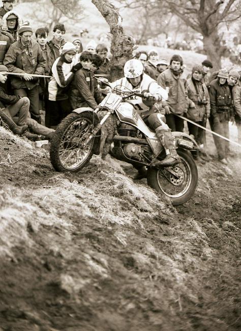 58spanish rider gabino renales at full stretch on the works cagiva british world round 1983